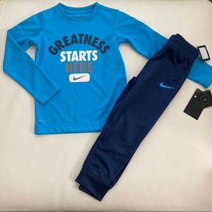 Nike long sleeve active pants set